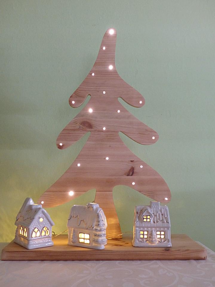 Weihnachtsbaum Mit Integrierter Beleuchtung | Ausfuhrliche Bastelanleitung Fur Einen Tollen Diy Weihnachtsbaum Aus