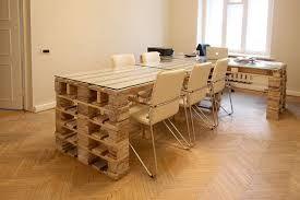 Картинки по запросу рабочий стол из поддонов Мебель своими руками