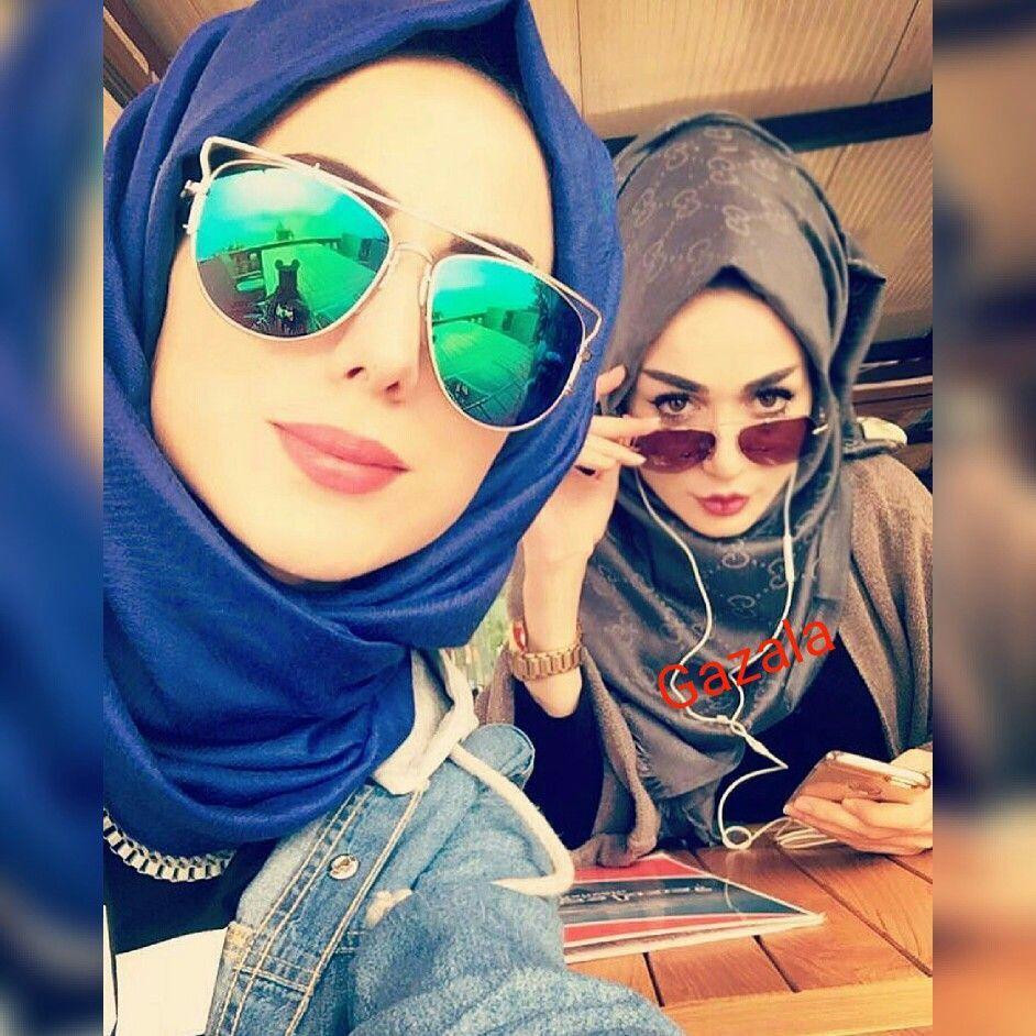 الحجاب مع النظارات نصائح لارتداء النظارات الشمسية مع الحجاب Girl With Sunglasses Sunglasses Mirrored Sunglasses Women