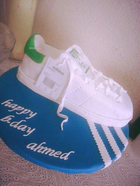 Stan Smith cake | Stan smith, Creations, Smith