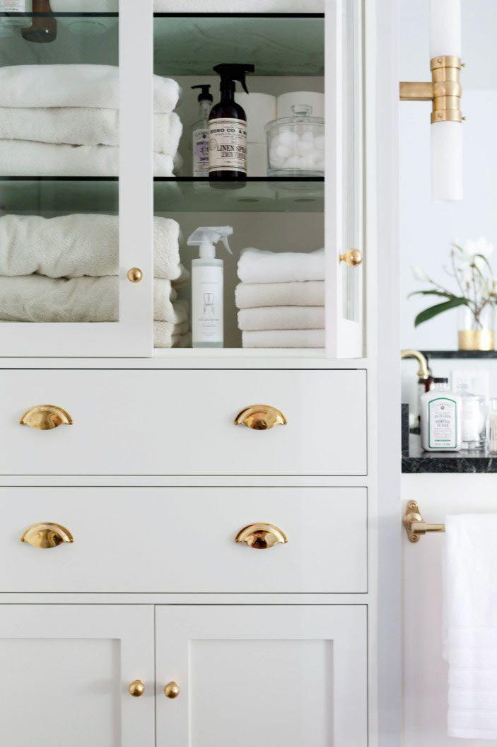 белый шкафчик для полотенец и ванных принадлежностей фото ...