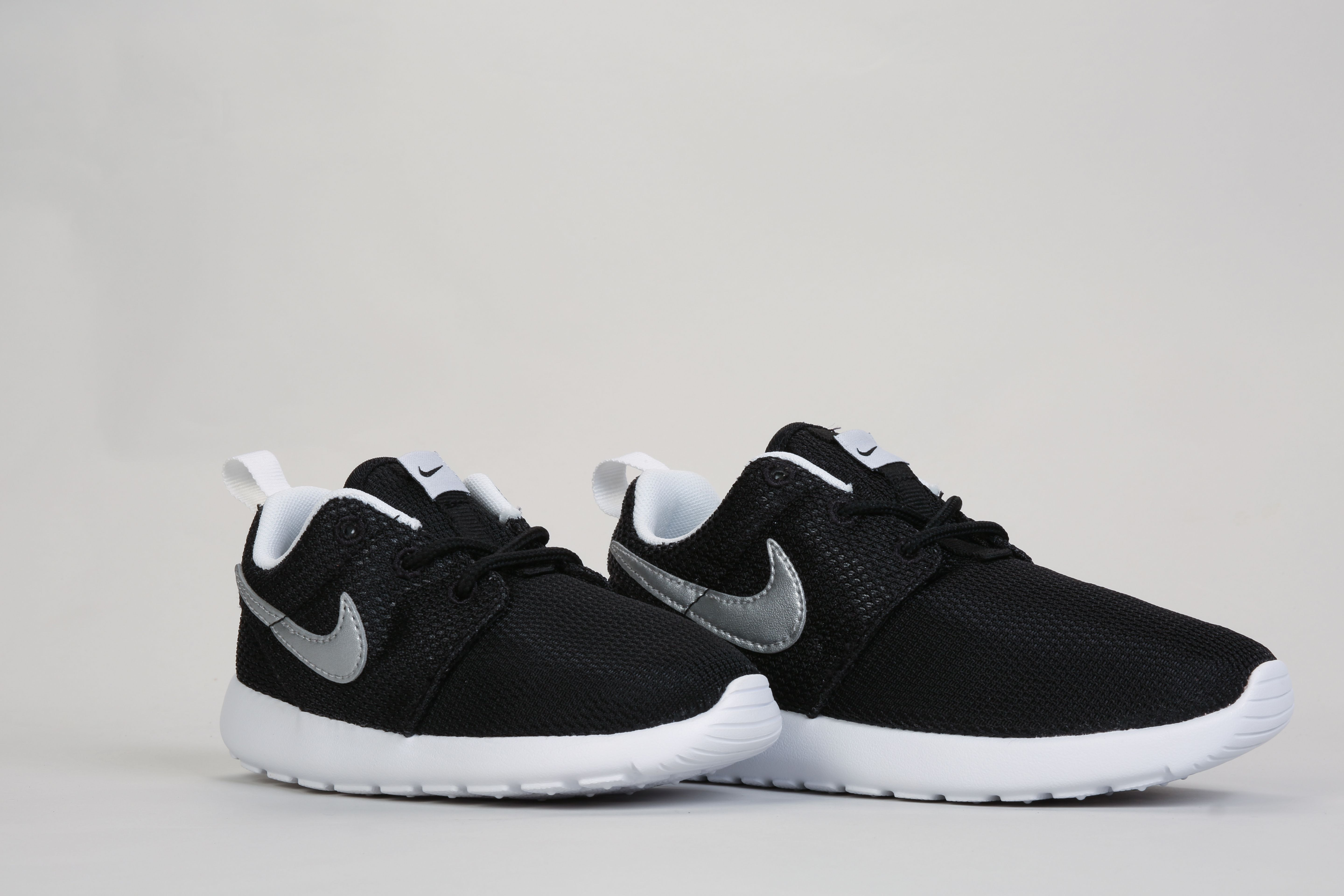 reputable site 0fc67 32368 Nike Roshes - Infant Junior