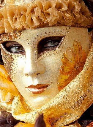 Mascara veneciana AMARILLO ♡
