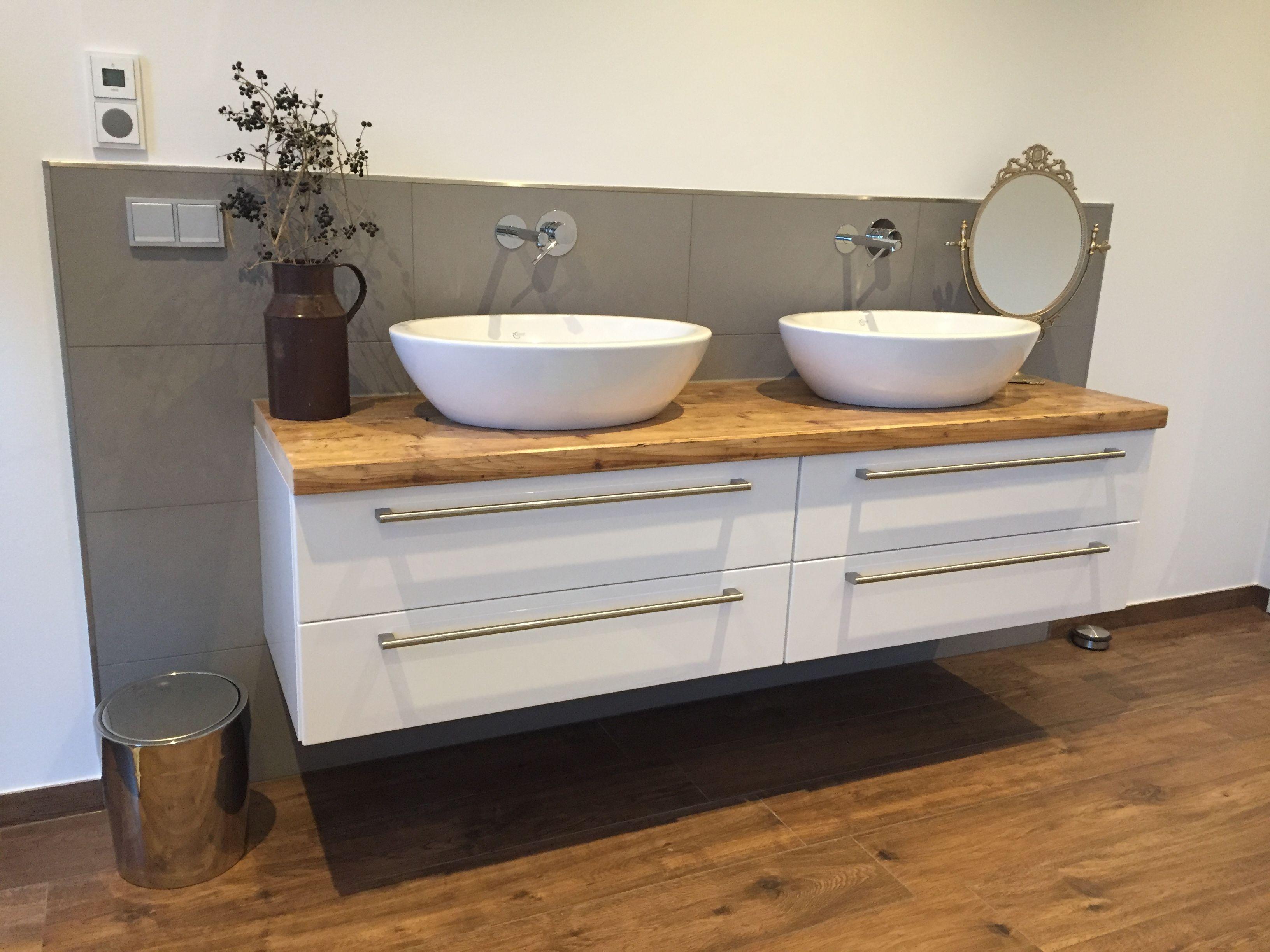 schöne bademöbel in kombination aus alt und neu! #badezimmer, Badezimmer ideen