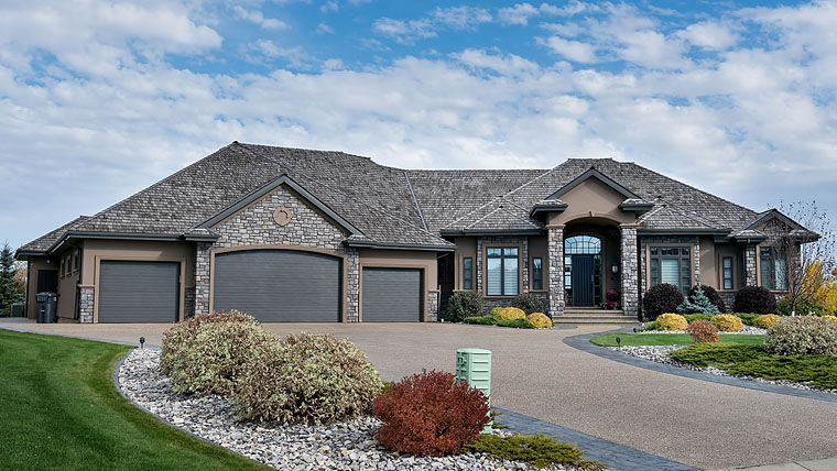 Bungalow Style House Plan 81100 With 3 Bed 6 Bath 8 Car Garage Bungalow Style House Plans Beautiful House Plans Bungalow House Plans