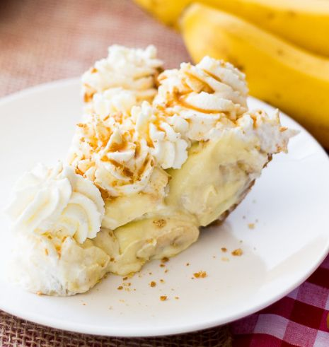 A Salted Caramel Banana Pie | ohsweetbasil.com #bananapie