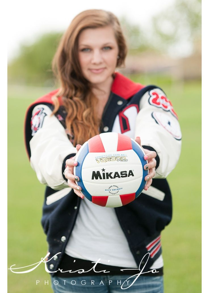 Senior Portrait  Photo  Picture Idea  Volleyball  Varsity