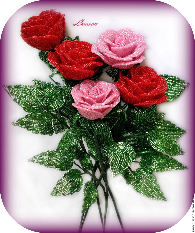 известен очень красивый букет роз из бисера каким