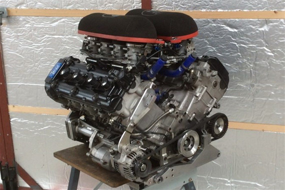 hight resolution of suzuki hayabusa v8 26litre engine