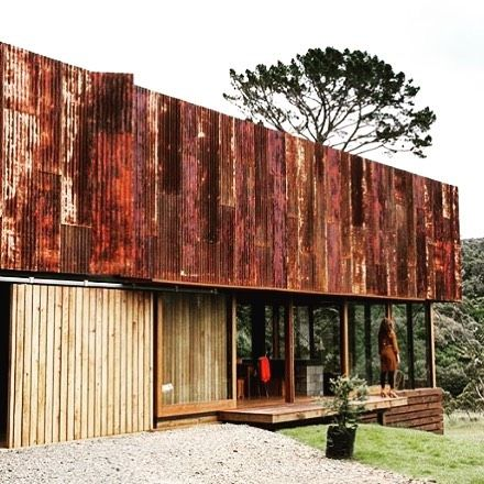 Awesome corrugated iron cladding on this beauty designed by @herbstarchitects 😍 #architecture #modernarchitecture #architectureporn #architecturelovers #architecturephotography #archidaily #modernarchitecture #architexture #architecturedesign #architecturephoto #architecturefan #architecturelovers #outfltotday #design #minimaldesign #modernhome #homedesign #modernhouses #contemporaryhome