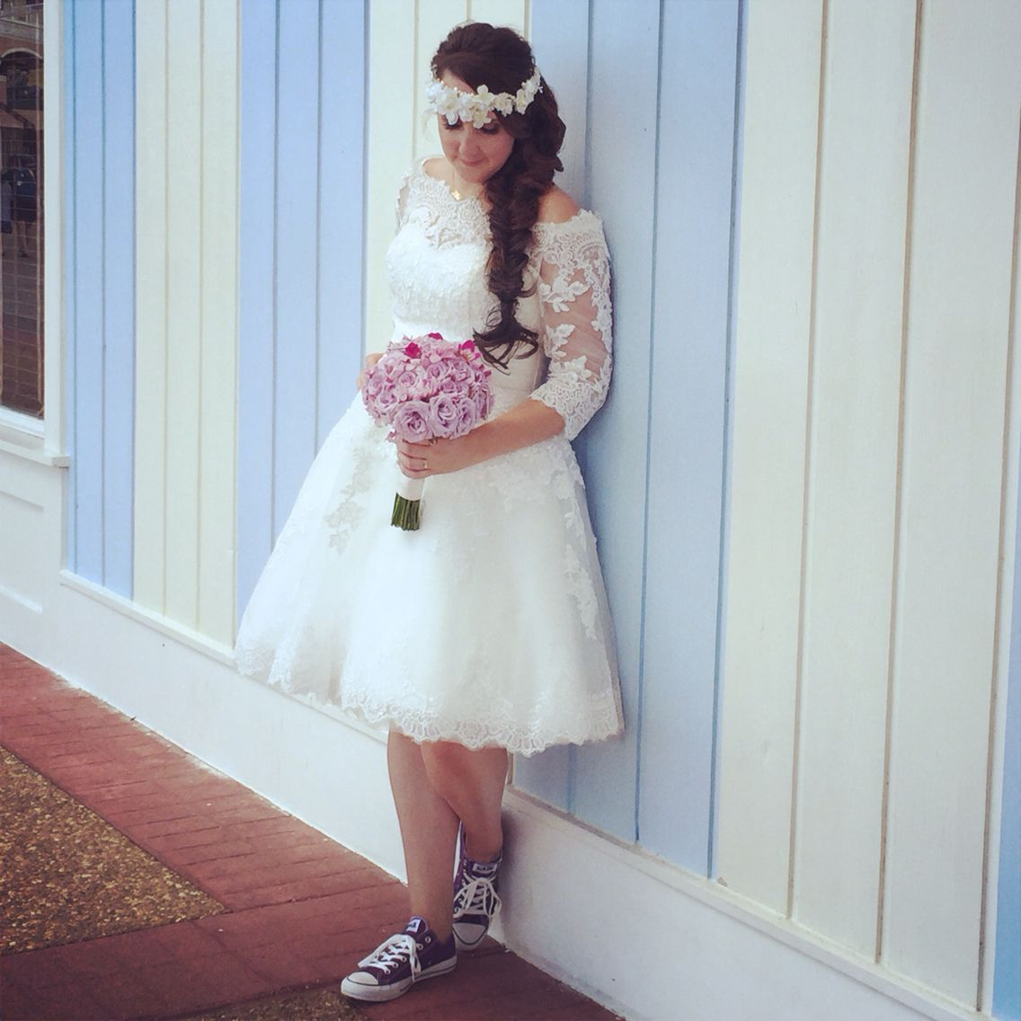 Bride Short Wedding Dress With Converse WeddOn