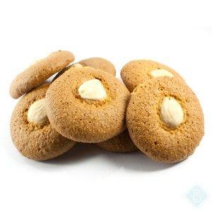 ALMENDRADOS DE NARANJA 3.00€. Pequeña galleta con almendra en la parte superior, forma redonda y delicado sabor a naranja. Textura consistente y crujiente.     $3.90