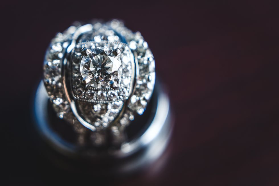 Bling... On the site today: 'Cant Miss Bridal Detail Shots' shared with us by @sunshineandreign . . . . #sparkles! #DreamRing #EngagementRing #Bling #engagmentrings #realwedding #inspiration #inspo #isaidyes #engaged #weddinginspiration #realcouple #love #weddingseason #weddinginspiration #weddinglove #weddingfun #gettingmarried #bridal #weddinggown #weddingdress #weddingstyle #weddingdesign #weddingseason #weddingdecor