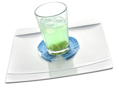 Inspired by nature, our coasters help prevent your glass from shifting and its curved design collects the condensation from your drink.