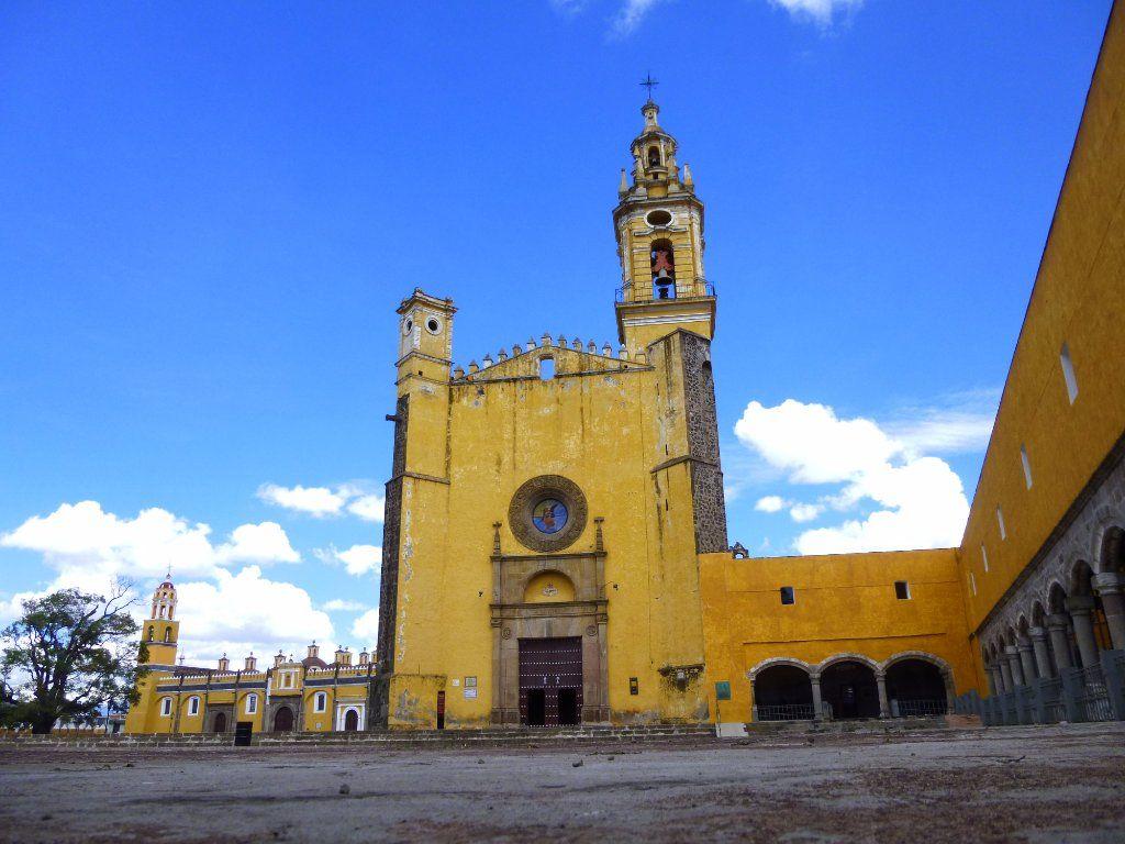 Fachada del Convento de San Gabriel en Cholula.