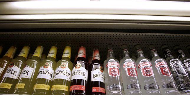 Une étude place l'alcool comme la drogue la plus dangereuse, notamment en terme de coût pour la société. La commission auteure de l'étude estime que les actuels systèmes de classification des drogues n'expriment pas