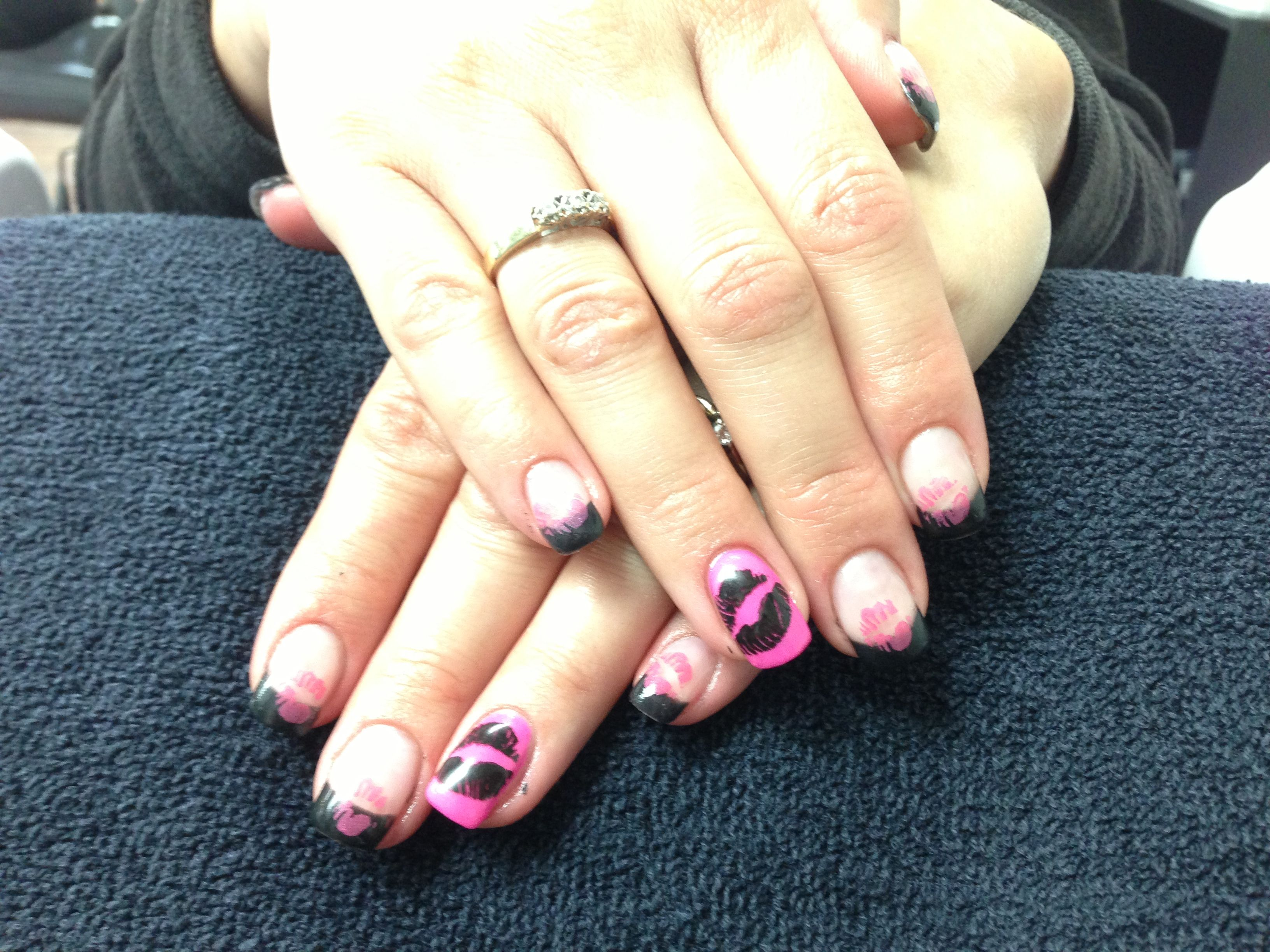 sandys nails pink and black stamped kiss valentine gel nail