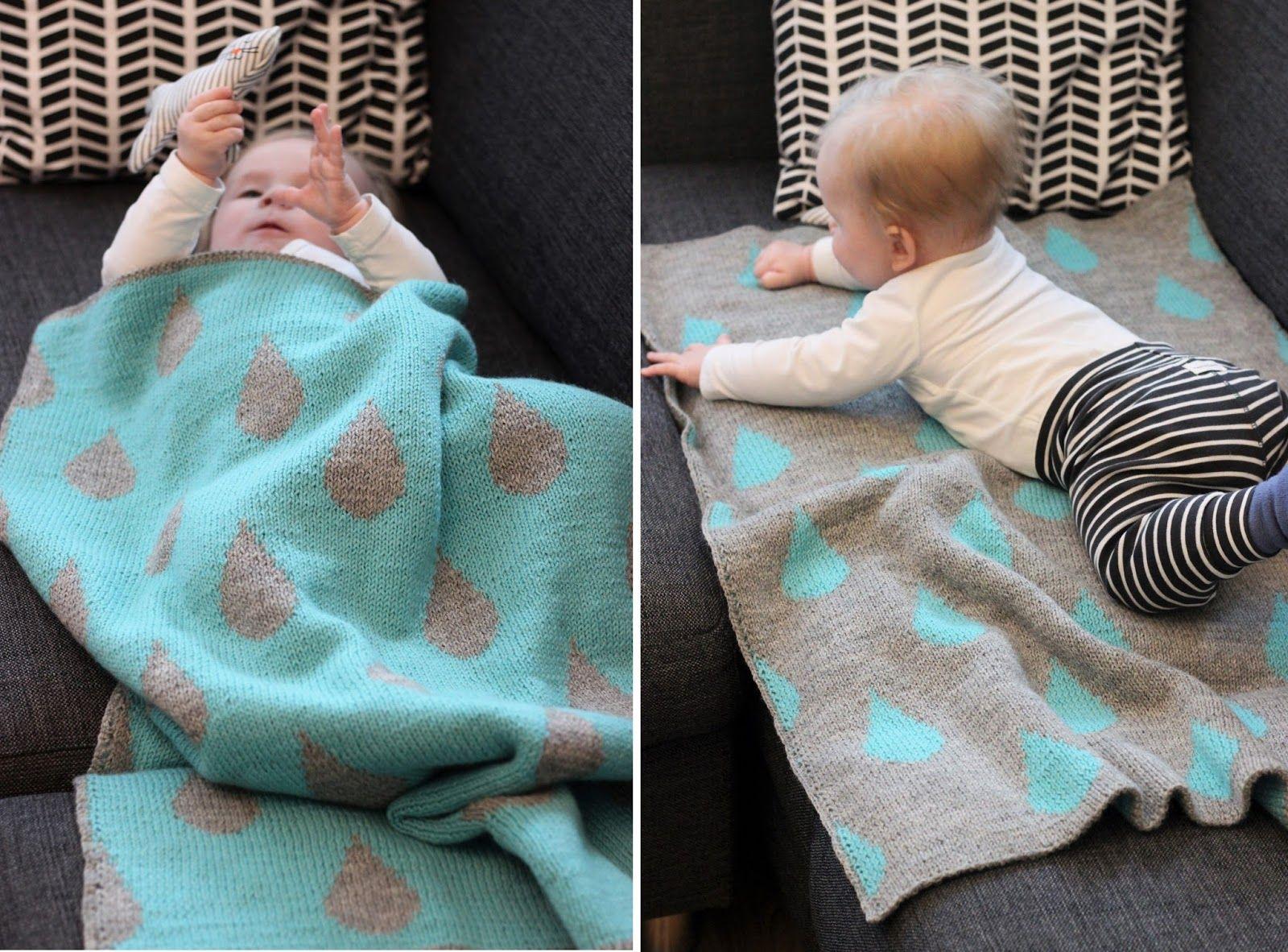 Tämä peitto on rakkaudella neulottu. Ja vihdoin se on valmis.   Aloitin neulomaan tätä viimeisellä raskauskolmanneksella tammikuussa vauvaa...