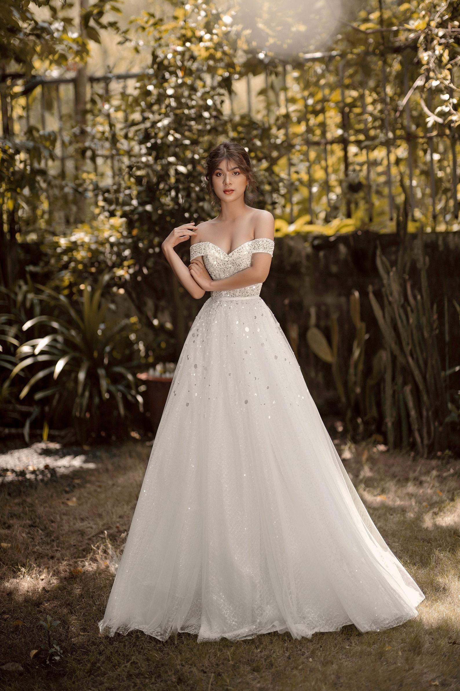 CAPELLA - Sparkly Aline wedding dress/ Off the shoulder ...