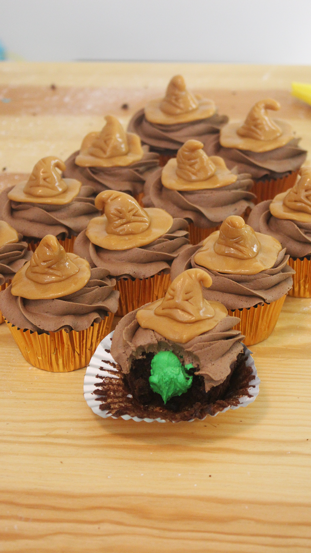 Do you belong to Gryffindor? Slytherin? Bite into these cupcakes to see which Harry Potter house you belong in!