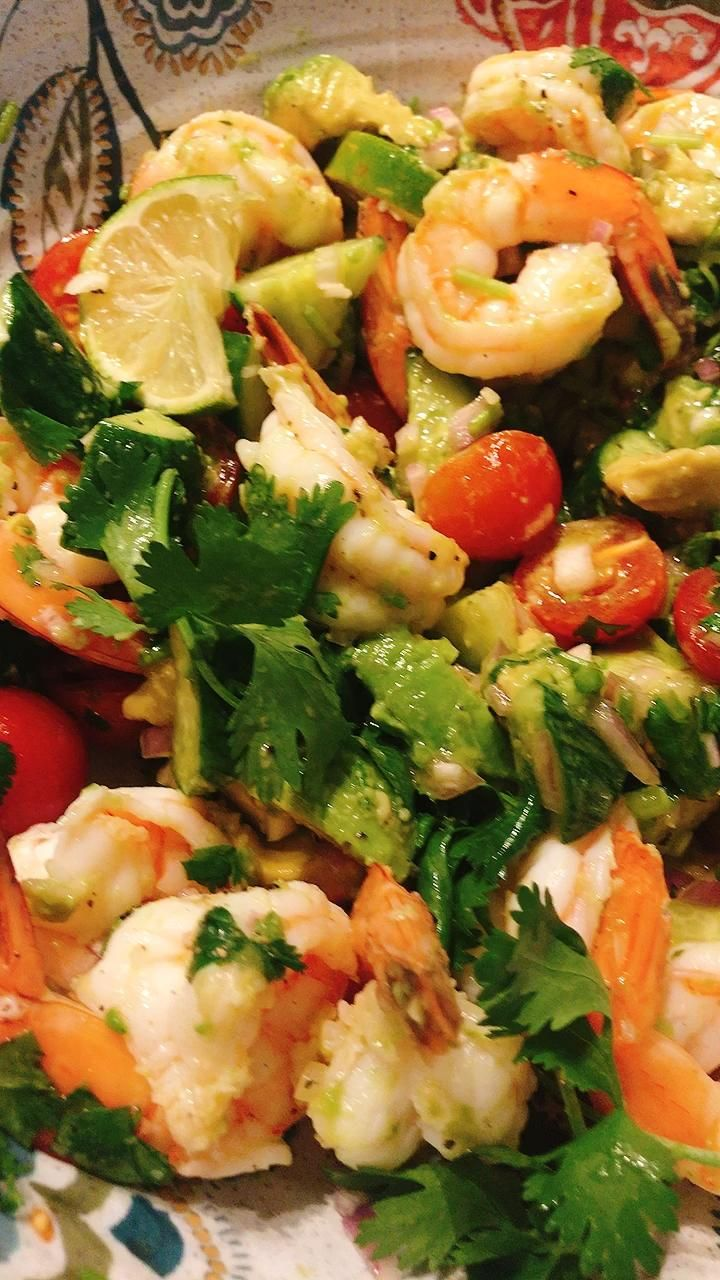 Zesty Shrimp Avocado Salad Bowl