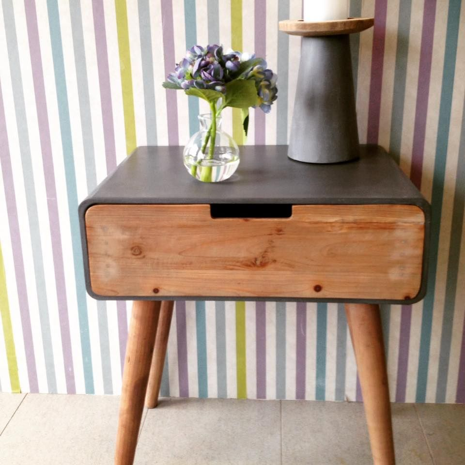 Bedside Tables Are Ideal For Placing A Lamp, Photos, Books, Keys, Your