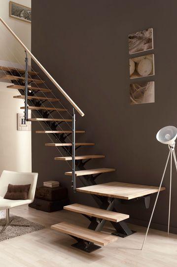 21 escaleras compactas y perfectas para casas peque as for Escaleras metalicas pequenas