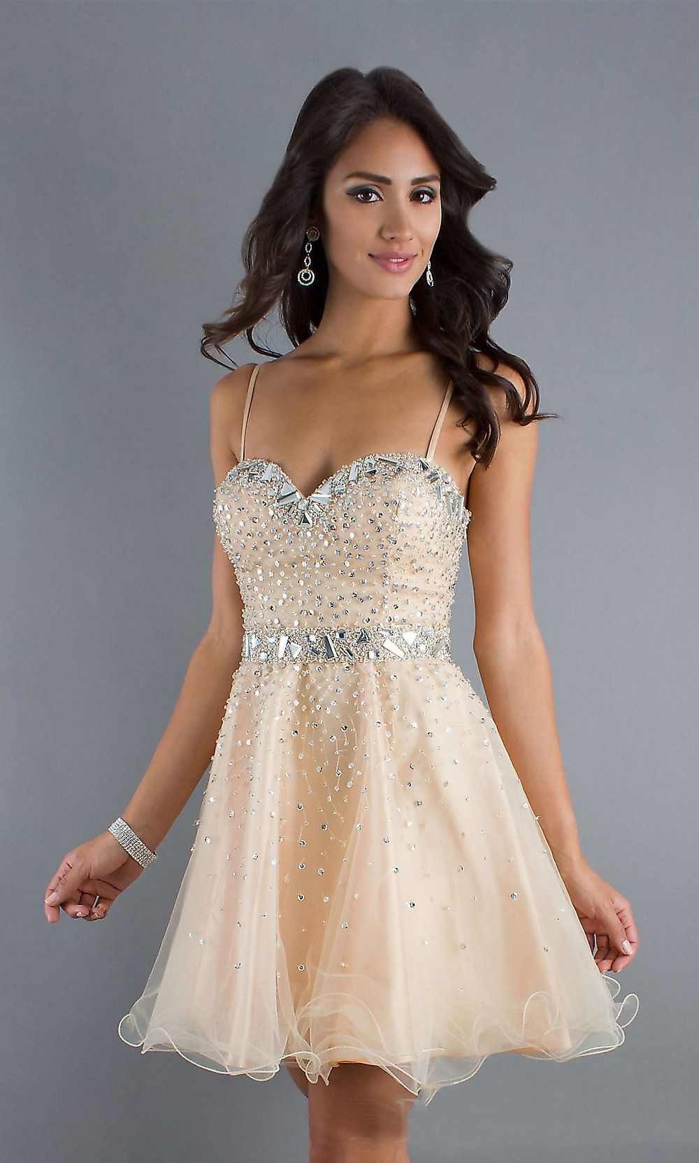 The charming spaghetti strap sweetheart neck champagne organza short