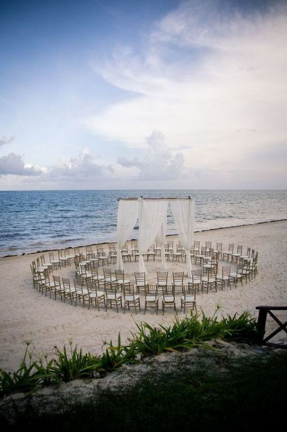35 Dreamy and Creative Beach Wedding Ideas!
