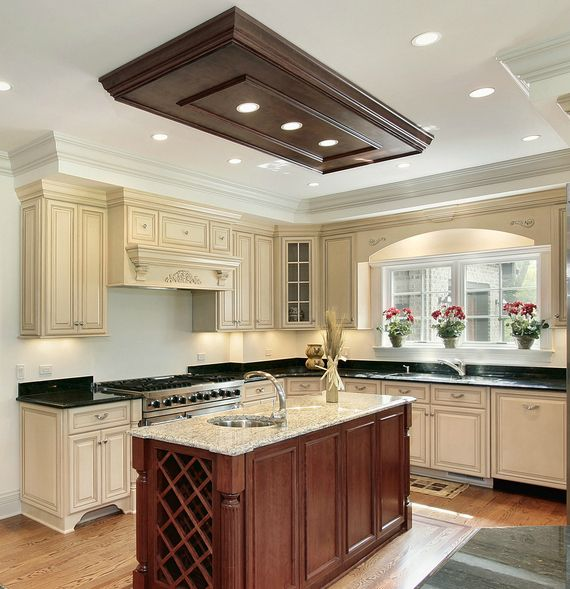 Fantastisch Custom White Kitchen With Natural Wood Island. Check Out The Wood Lighting  Wood Work And