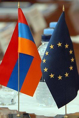 La jefa de la diplomacia europea, Catherine Ashton, declaró que la Unión Europea intensificará el cumplimiento del programa Asociación Oriental, que busca el acercamiento de la UE con Armenia, Azerbaiyán, Georgia, Moldavia, Ucrania y Bielorrusia.