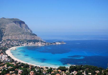 Lido di Mondello, the most beautiful beach in Palermo