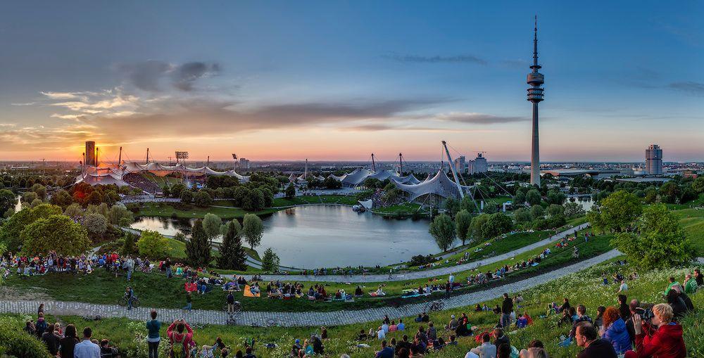 Munchen Skyline Mit Olympiapark Bei Nacht Harald Nachtmann Olympia Olympische Spiele Munchen