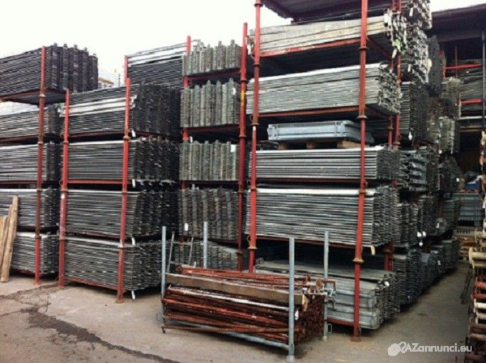 Fermapiedi zincati usati per ponteggio