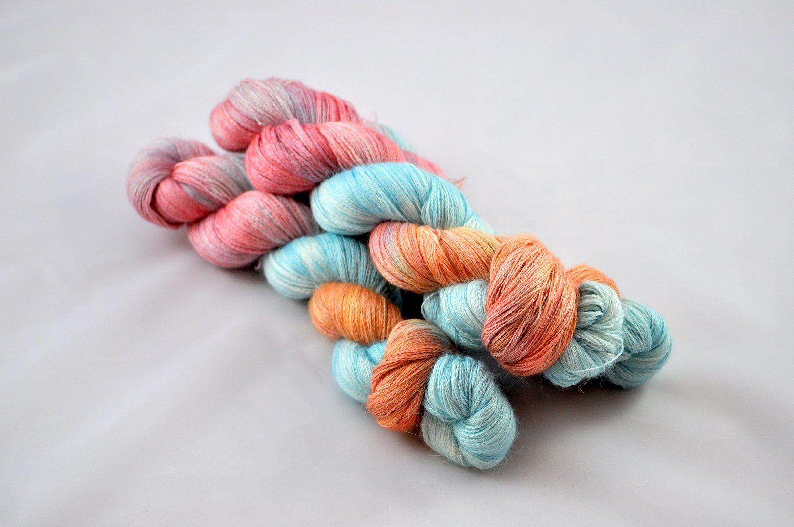 Eichelhäher - handdyed yarn by Sternenstaub