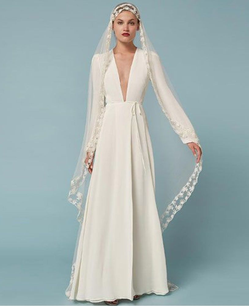 10 Winter Wedding Dresses That Will Take Your Breath Away | Bohemian ...