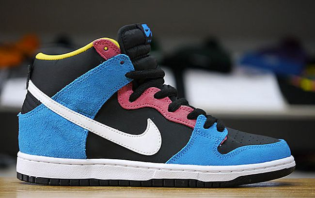 "various colors ecf7c 287fb Nike SB Dunk High ""Bazooka Joeâ 