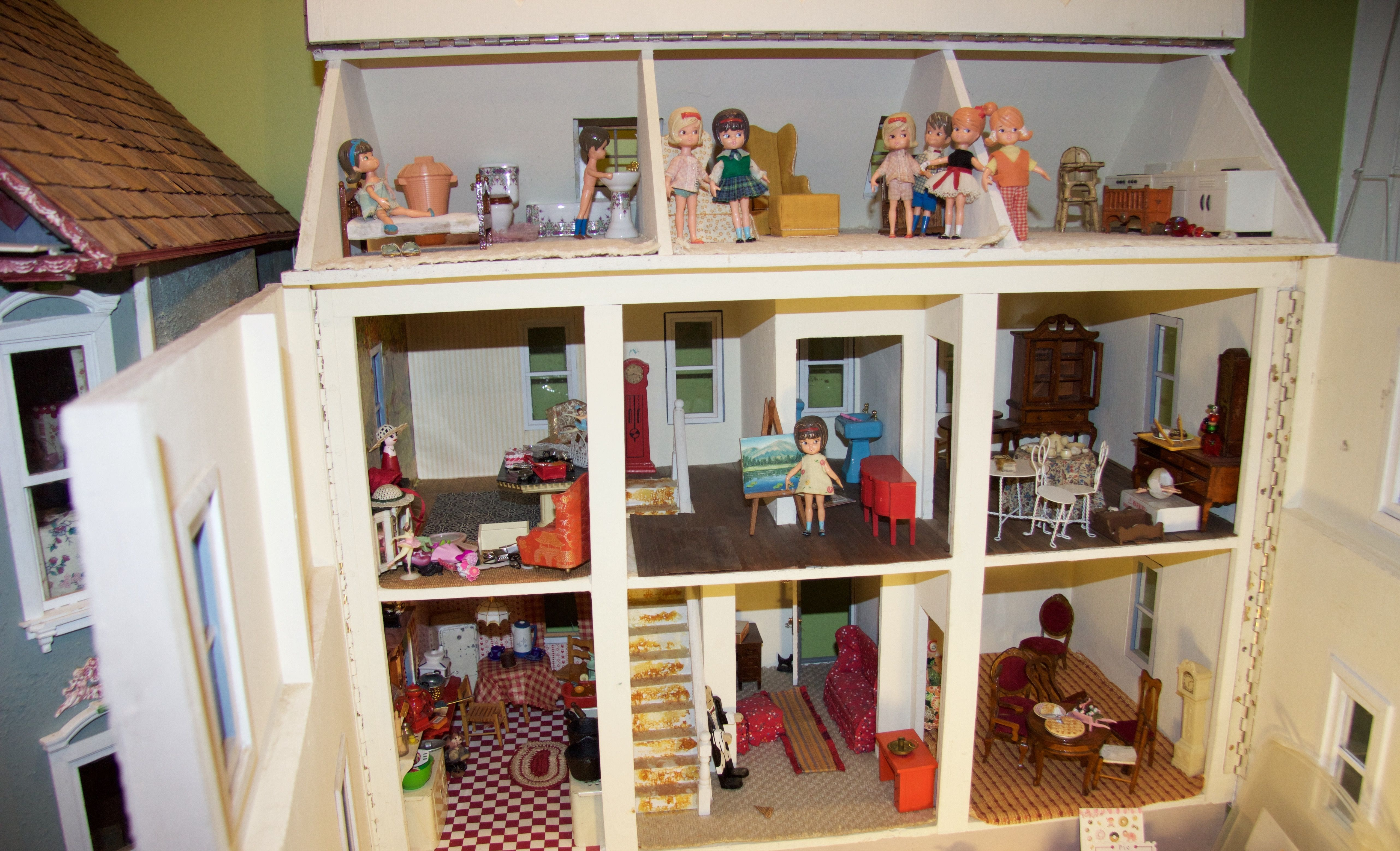Doll house project tea room and haberdashery with rental