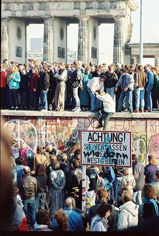1989 - Queda do Muro de Berlin