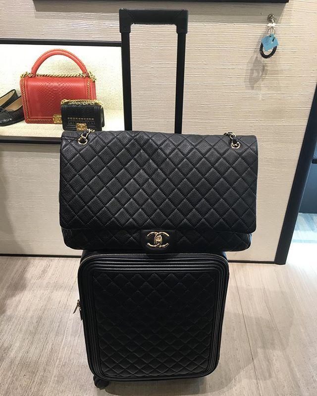 704c5b1a6759 Pin by Vagirdo Inc. on Used Luxury Items in 2019