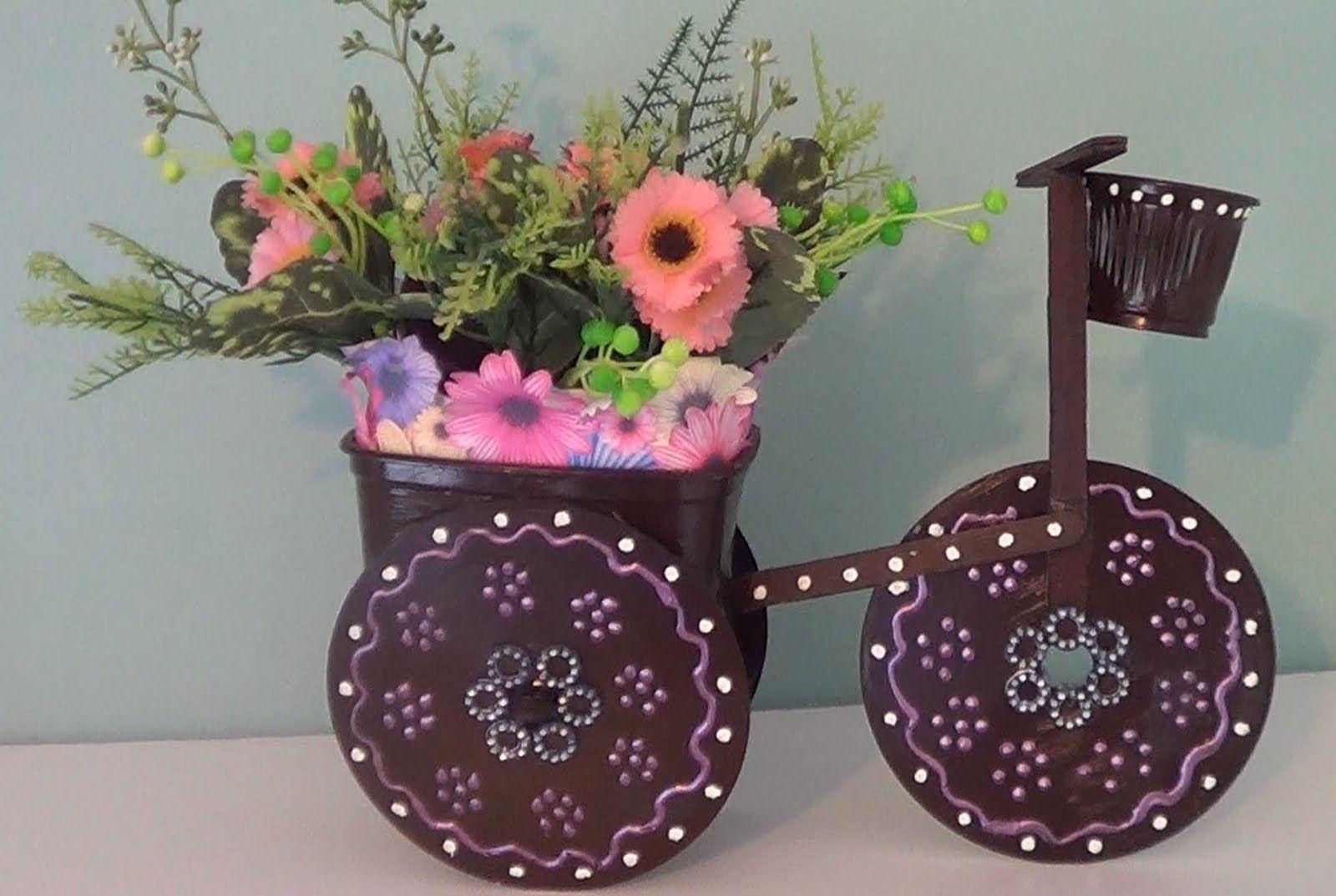 Buffet Aparador Grande ~ Artesanato Triciclo de cd para decoraç u00e3o com materiais reciclados Ideias para a casa