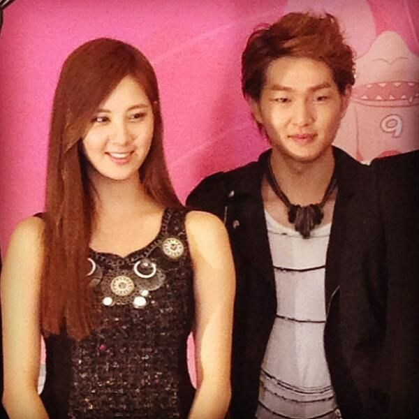 SHINee Onew and SNSD Seohyun at SMTOWN Singapore 2012 press conference.