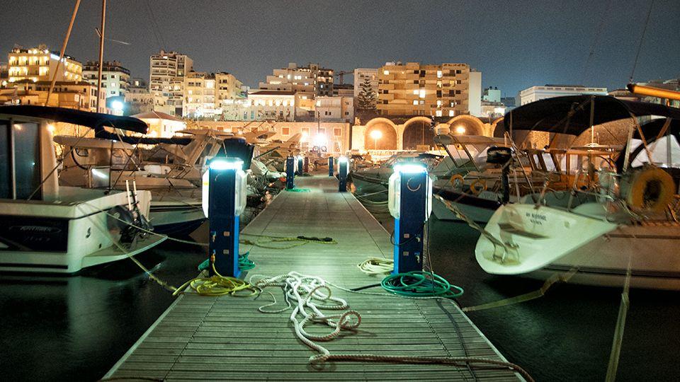 Ενετικό Λιμάνι: Κούλες & Νεώρια - CRETAZINE ♥ Η Κρήτη όπως τη ζούμε