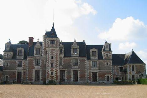 Le Château de Jallanges, commune de Vernou-sur-Brenne, département d'Indre-et-Loire, région Centre-Val de Loire.
