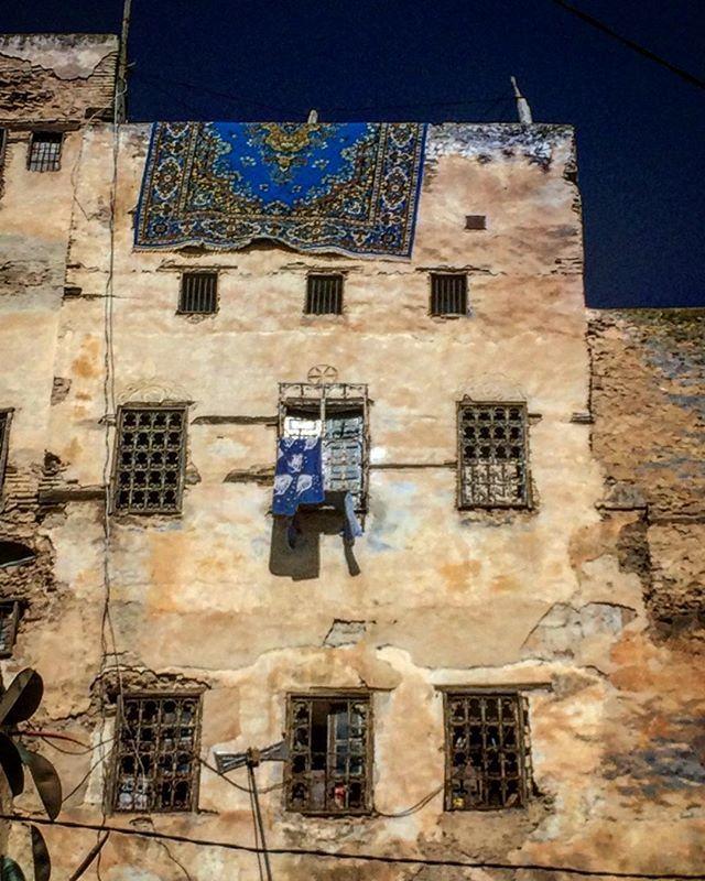 La alfombra y el Gomero #marruecos #medina #fez #moroc #alfombra #morroco