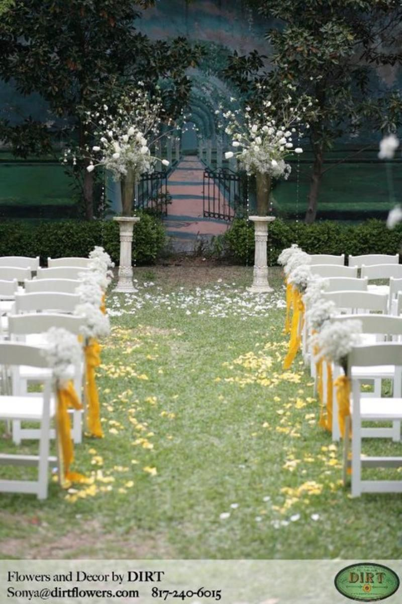 The Gardens At Los Vaqueros Stockyards Weddings Get Prices For Fort Worth Wedding Venues In Tx