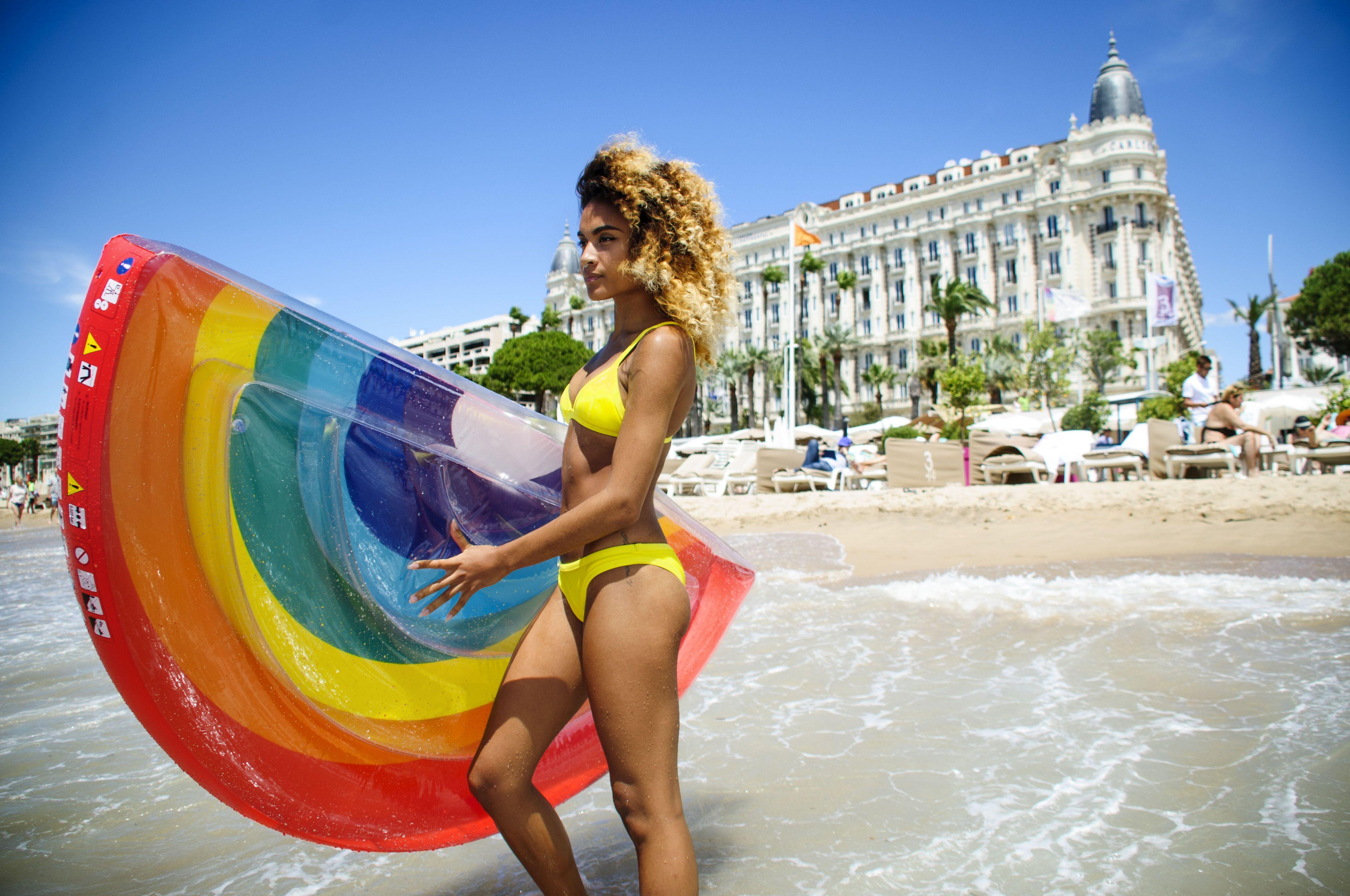 Mon néoprène bikini triangle jaune Monpetitbikini  57824fa2bf8