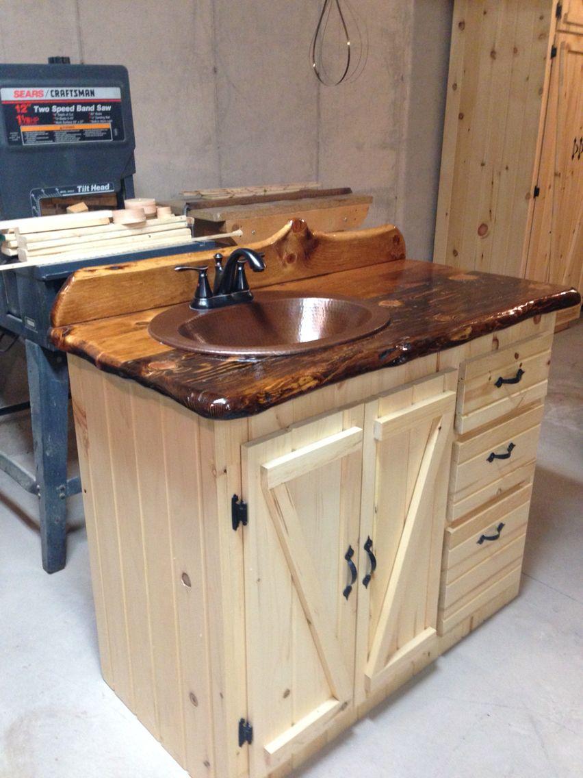 Bathroom Vanity Pine Slab Countertop Mit Bildern Rustikale Bad Eitelkeiten Rustikale Bader Bad Styling