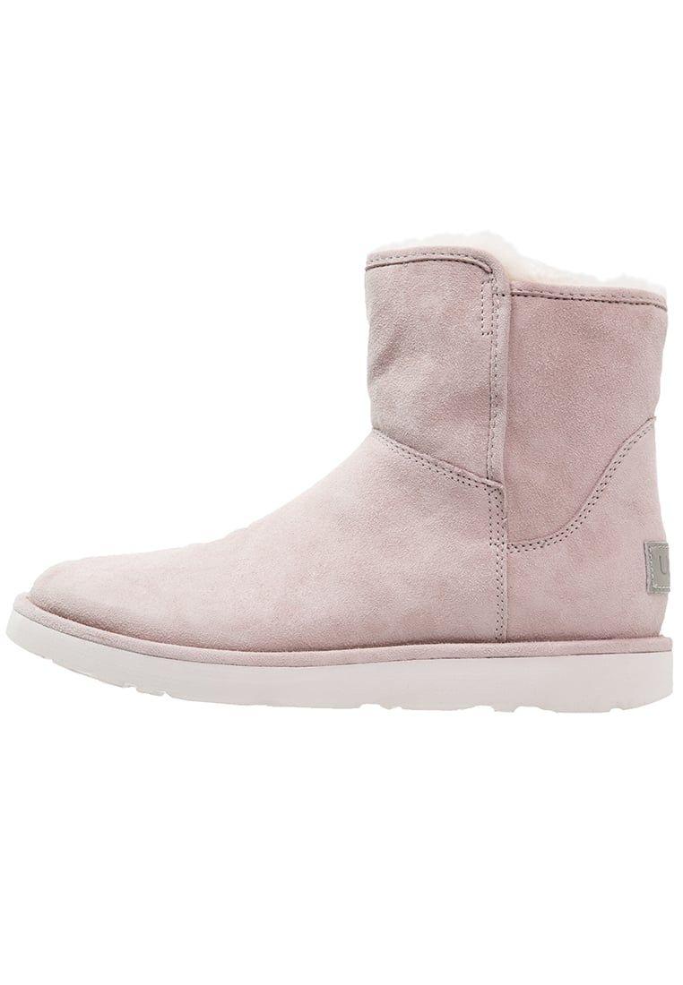 ¡Consigue este tipo de zapatillas altas de UGG ahora! Haz clic para ver los  detalles. Envíos gratis a toda España. UGG ABREE MINI Botines feather  UGG  ABREE ... 283318d15104