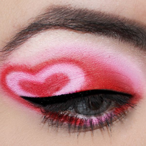 Valentine Heart Eyes Day Makeup Makeup Red Eye Makeup